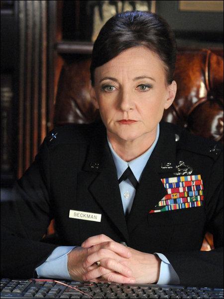 Comment Général Diane Beckman s'appelle-t-elle réellement ?