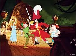 Comment s'appelle l'affreux capitaine des pirates qui voue une haine féroce à Peter Pan ?