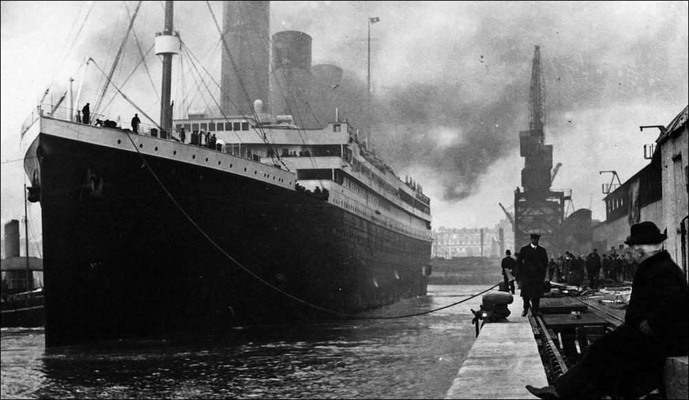 Qui est la première personne à monter à bord du Titanic en tant que passager ?