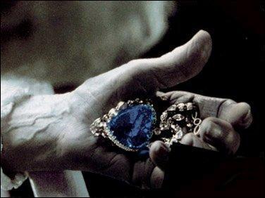 De combien de carats est constitué le bijou  le coeur de l'océan  ?