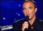 Nikos Aliagas, l'animateur vedette de l'émission , présente aussi tous les soirs après le 20 h une émission satirique avec quel imitateur ?