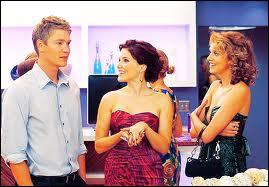 Dans quelle série retrouve-t-on Brooke, Peyton et Lucas ?