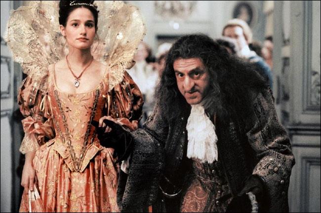 Lagardère provoque le Duc de Nevers dans le seul but de découvrir le secret de sa botte. Il perd mais Nevers, amusé par ce bretteur rusé, drôle et charmeur, le prend à son service.