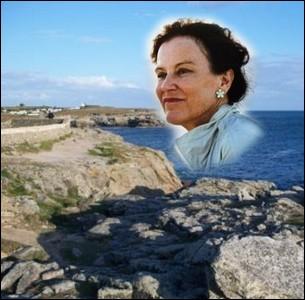 Cette femme de lettres, romancière et historienne née en 1950 à Lorient se révèle en 1982 avec son premier roman   Le Nabab   ... .