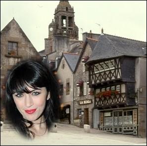 Chanteuse née en 1982 à Saint-Renan dans le Finistère, gagnante de la seconde édition de l'émission de télévision de télé réalité musicale   Star Academy   en 2002 . .