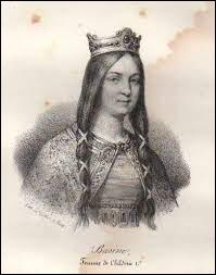 Pépin le Bref (714-768), le fils de Charles Martel, a épousé Bertrade de Laon. Quel était son surnom ?