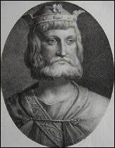 """Charles avait le surnom de """"Martel"""" ( marteau en vieux français).A quel type de marteau son surnom fait-il allusion ?"""