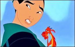 Comment s'appelle le petit dragon de Mulan ?