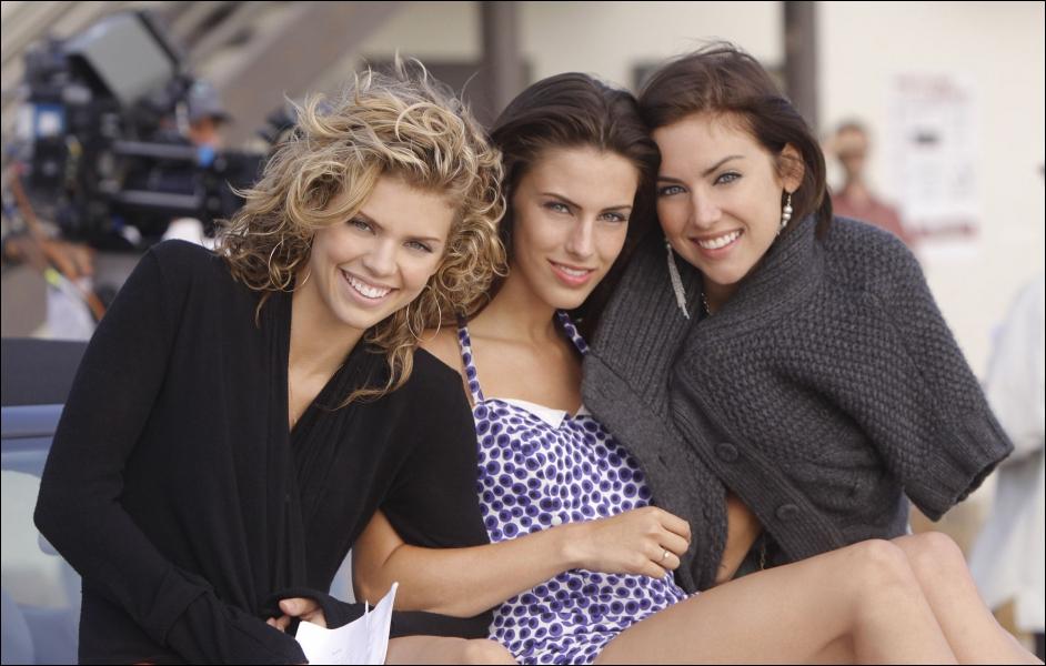 Dans quelle série retrouve-t-on Naomi, Silver et Adrianna ?