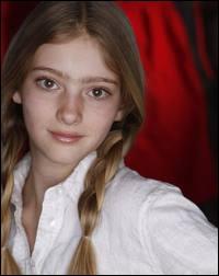 Comment s'appelle l'actrice qui joue le rôle de Primrose Everdeen ?