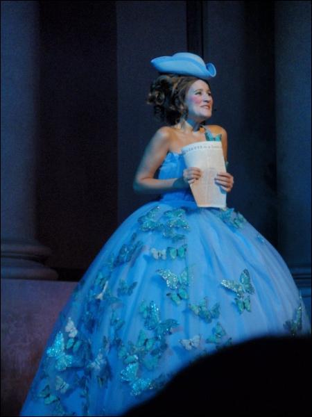 Pour quelle chanson Maéva porte-t-elle cette troisième robe ?