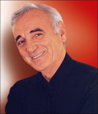 Et derrière eux comme un cortège en folie / Ils drainent tout le pays, les comédiens (« Les Comédiens », interprété par Charles Aznavour)