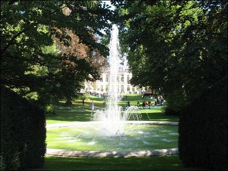 Quel palais, s'appelant alors  l'hôtel d'Evreux , fut-il la résidence parisienne de madame de Pompadour ?