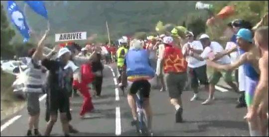 Comment s'appellent les malheureuses victimes de la vidéo du Tour de France ?