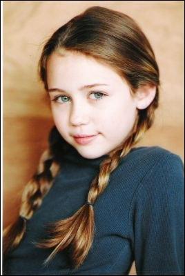 Qui n'interprète pas Miley Stewart ? (petite, jeune, adolescente)