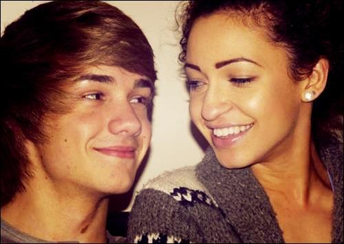 Comment s'appelle la copine de Liam ?