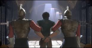En prison, qui assomme le garde royal principal à l'aide d'une poêle à frire ?