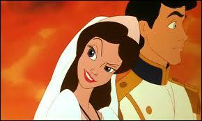 La sorcière prend l'apparence d'une jolie jeune fille pour séduire le prince avec la voix d'Ariel. Quel est alors son nom ?