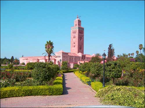 La Koutoubia est une mosquée qui fait partie du décor...