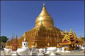 La merveilleuse pagode dorée Shwedagon est un lieu sacré pour les bouddhistes car on peut y voir huit cheveux de Bouddha Gautama. Elle se trouve à...