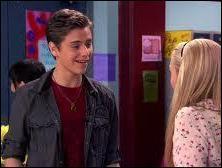 De quel beau garçon est-elle tombée amoureuse dans la saison 2 ?