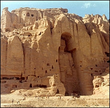 En Afghanistan, à Bamiyan, les Talibans ont fait exploser des statues géantes. Que représentaient-elles ?