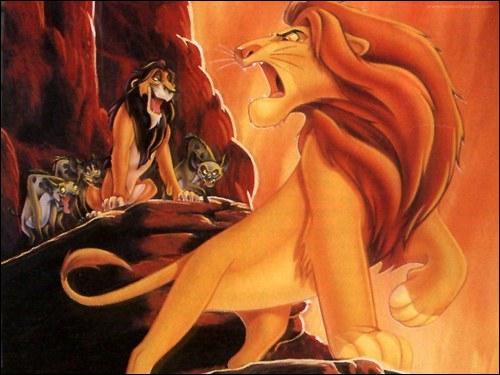 Dans le Roi Lion, combien de hyènes se lancent à la poursuite de Simba et Nala ?