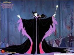 Comment s'appelle la terrible fée du mal qui, rancunière de n'avoir pas été invitée à la fête , a lancé un mauvais sort à la jeune princesse ?
