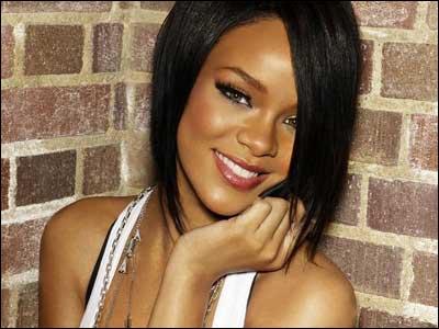 Avec qui sort Rihanna (en 2012) ?