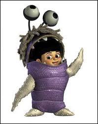 Dans 'Monstres & Cie', avec quoi le déguisement de Boo est-il fait ? (la partie violette et les cheveux)