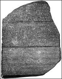 Quel égyptologue est à l'origine du déchiffrement moderne des hiéroglyphes grâce à la pierre de Rosette (en 1822) ?