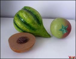 Ce fruit a-t-il un noyau ou des pépins ?