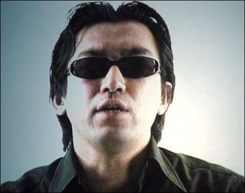 Jeux vidéo : Quelle saga de jeux vidéo de type survival horror créée par Shinji Mikami fait ses débuts sur Playstation en 1996.