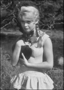La plus grande star du monde à l'époque, ici avec un joli chat, pour celle qui a dévoué par la suite sa vie à la cause animale. Qui est la star ?