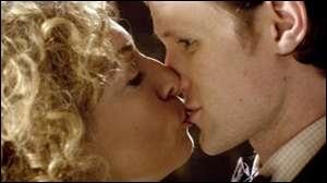 (Episode 8) Pourquoi River embrasse-t-elle le docteur ?