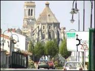 Quelle est la région de la ville de La Roche-sur-Yon ( 85 ) ?