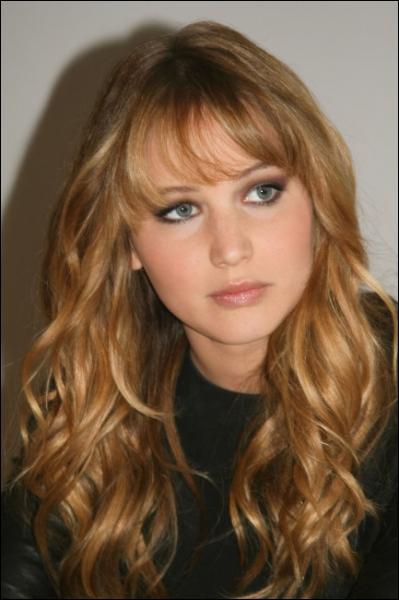 Quelle est l'actrice qui fait Katniss ?