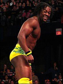 Qui Kofi Kingston a-t-il rejoint pour former une équipe avec laquelle il gagne le titre du WWE Tag Team Champions ?