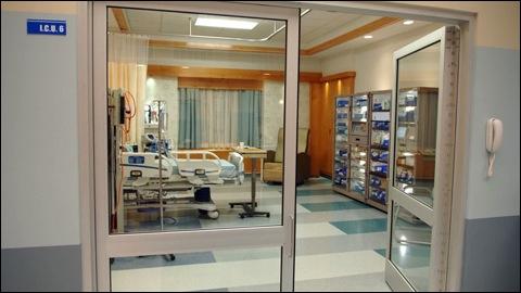 Combien de membres de la famille SCOTT ont déjà effectué un séjour à l'hôpital en tant que patients ? (y compris les naissances)
