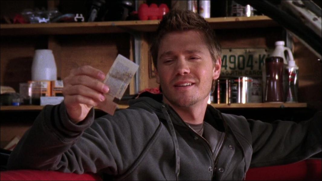 Durant la saison 6, Lucas retrouve un ticket d'un concert où lui et Peyton devaient aller. Mais de quel groupe s'agissait-il ?