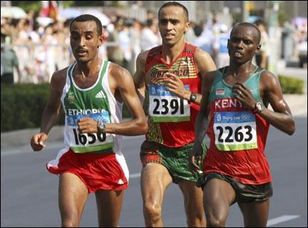 Le marathon fait 42,195 km car c'est la distance entre ------------.