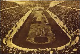 Les premiers jeux modernes eurent lieu à Athènes en...