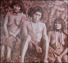Les Yaghans vivaient nus, malgré le climat, en Terre de Feu !