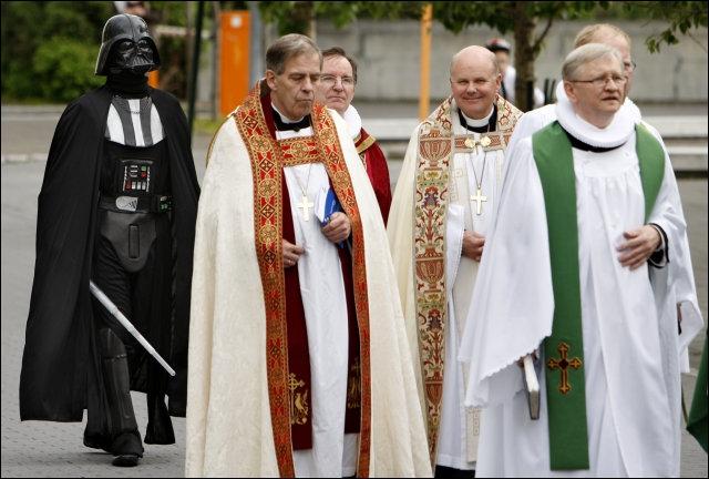 C'est l'endroit au monde où l'on trouve le plus d'évêques au mètre carré ! !