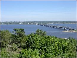 La Volga est le plus long fleuve d'Europe. Son cours, entièrement russe, s'étend sur 3700 km. Dans quelle mer se jette-t-elle ?
