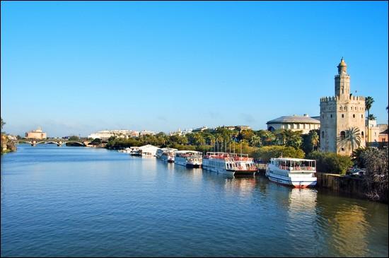 Quel est le fleuve qui arrose Séville, au sud de la péninsule Ibérique ?
