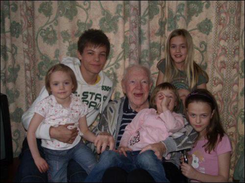 Comment s'appellent les soeurs de Louis ?