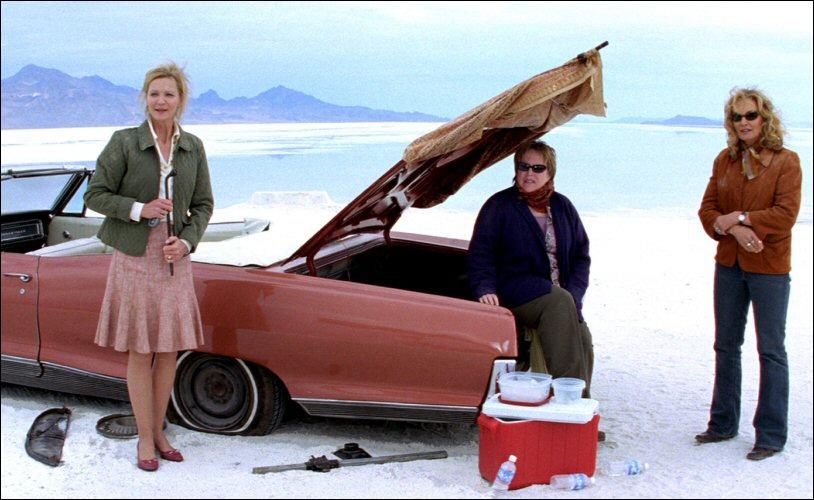 Anéantie par la perte de son compagnon, Arvilla Holden, décide d'embarquer ses deux meilleures amies dans un voyage à travers l'Ouest américain à bord d'une Cadillac.