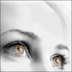 Quelle est la figure de style présente dans les vers de Louis Aragon  Je voyais briller au dessus de la mer les yeux d'Elsa, les yeux d'Elsa, les yeux d'Elsa.   ?