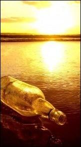 Quelle est la figure de style présente dans le vers de Paul Valéry  Comme passe le verre au travers du soleil  ?